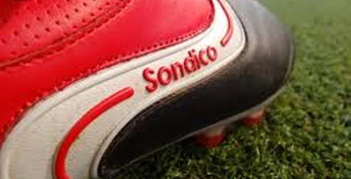 Бутсы Sondico начинались с перчаток