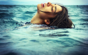 Как-плавать-чтобы-похудеть-300x187
