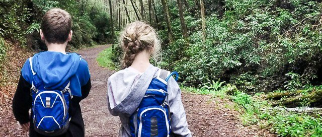 03-what-to-pack-hiking-gear-list-kids@2x
