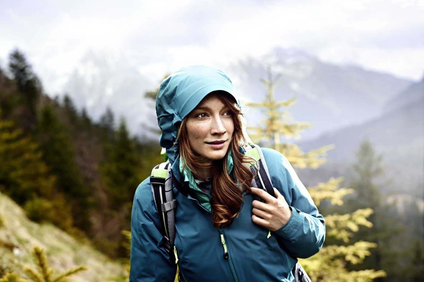 BIC_female_hiker_1400